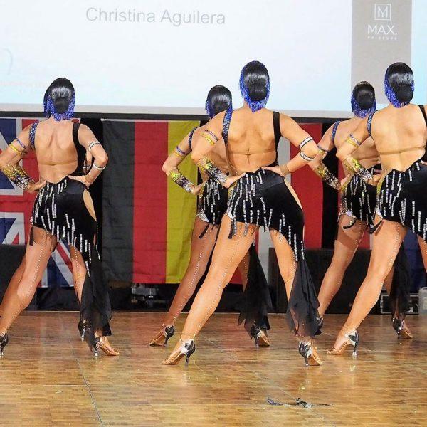 synchronized-dancing